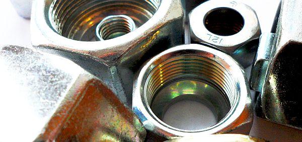 Накидная гайка DIN3870 ISO 8434-1 DIN 2353 TN81 TD81 для врезного кольца на трубы DIN2391